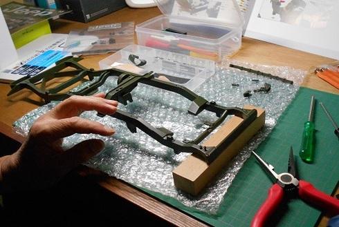 ジープを作る。リーフスプリング.JPG