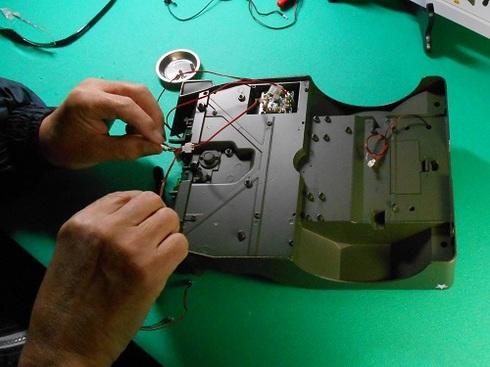 夫が作る模型・ジープ。ブレーキランプの取り付け .JPG