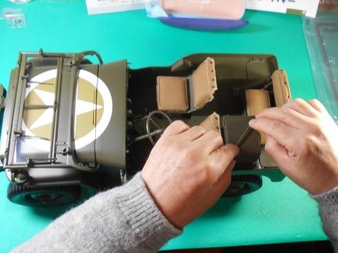 夫が作る手作り模型ジープ。ここまで出来ました。.JPG