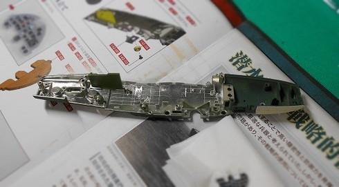 夫が作る模型飛行機「晴嵐」機体の組み立て。.JPG