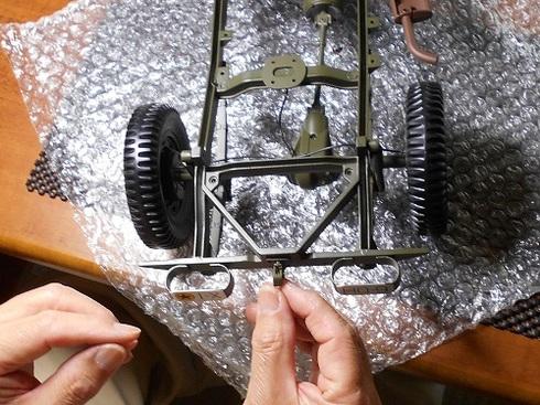 ジープを作る。トレーラーヒッチを取り付ける。.JPG
