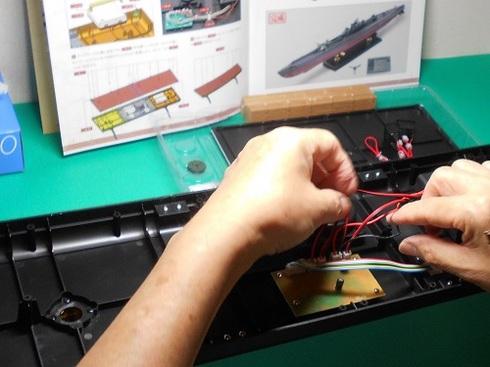 夫が作る伊四〇〇。ディスプレイ台とコントローラーの製作.JPG